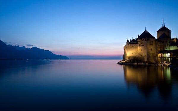 Montreuxbynau.jpg